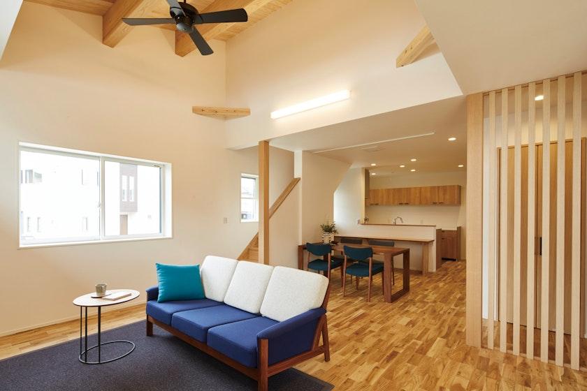 【富山】鷹栖建工株式会社_ ムクの優しさと快適な空気に包まれて、健やかに暮らす