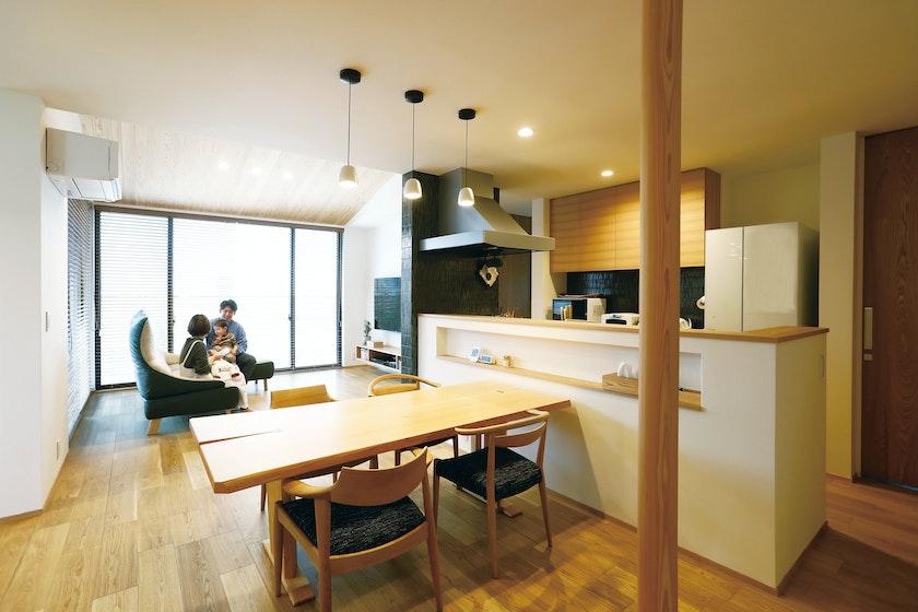永森建設株式会社_くつろげる空間がいっぱいの住まいで、おうち時間を満喫